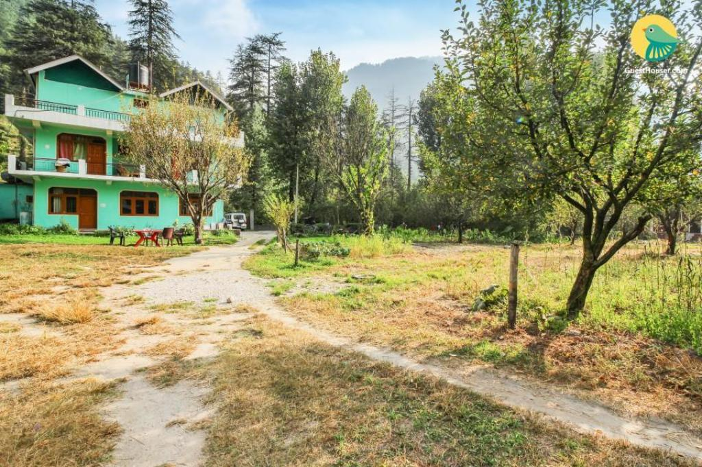 Exterior view GuestHouser 1 BR Homestay in Kasol (01AD)