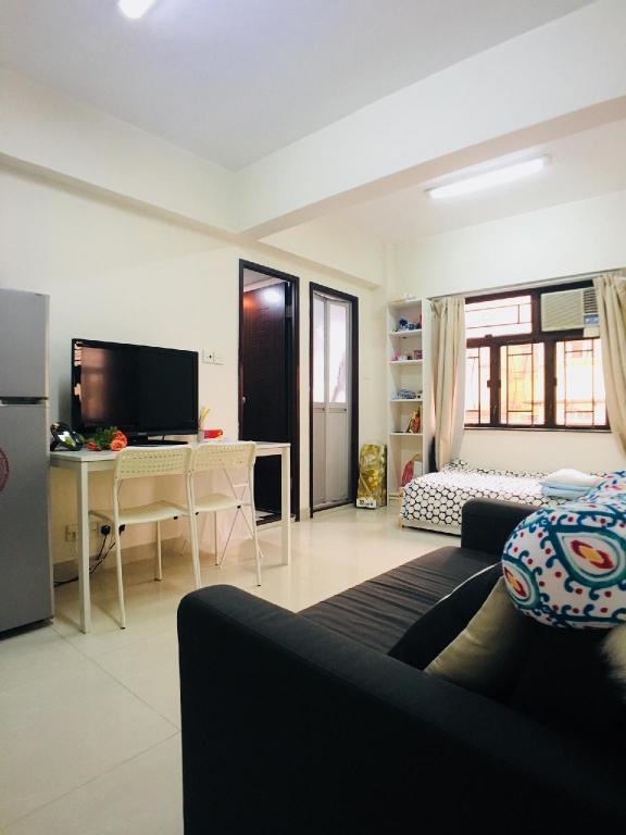 Best Price On 488 Big Bedrooms For 48 People 48 Mins To Mongkok MTR In Mesmerizing Big Bedrooms