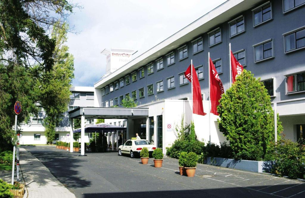 More about IntercityHotel Frankfurt Airport