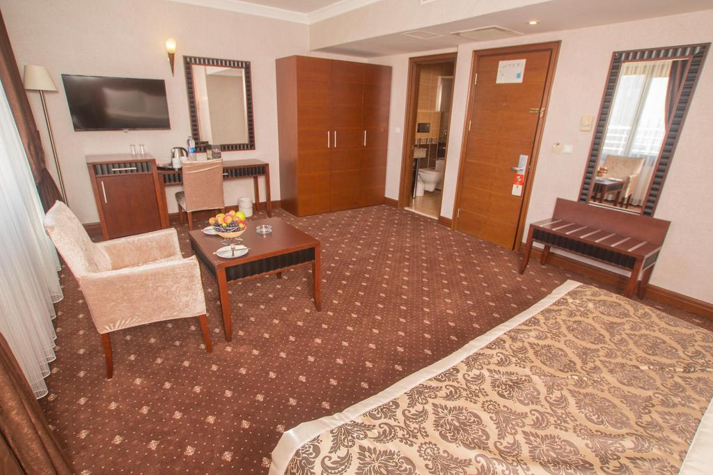 Standard Double Bed - Room plan Nova Plaza Crystal Hotel