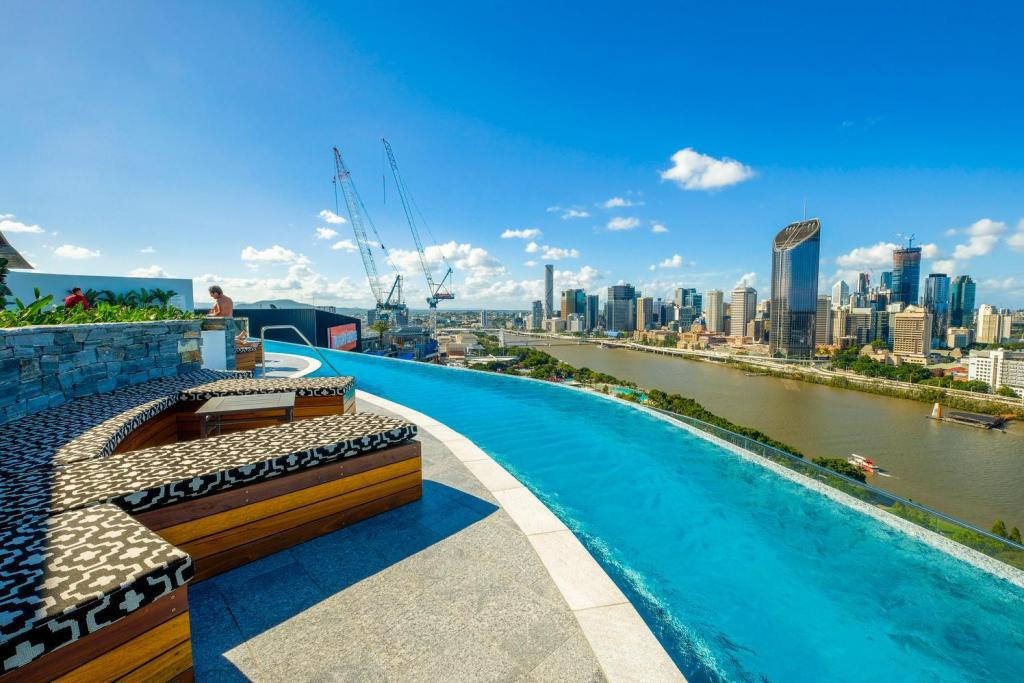 Homely Apartment At South Bank in Brisbane - Room Deals ...