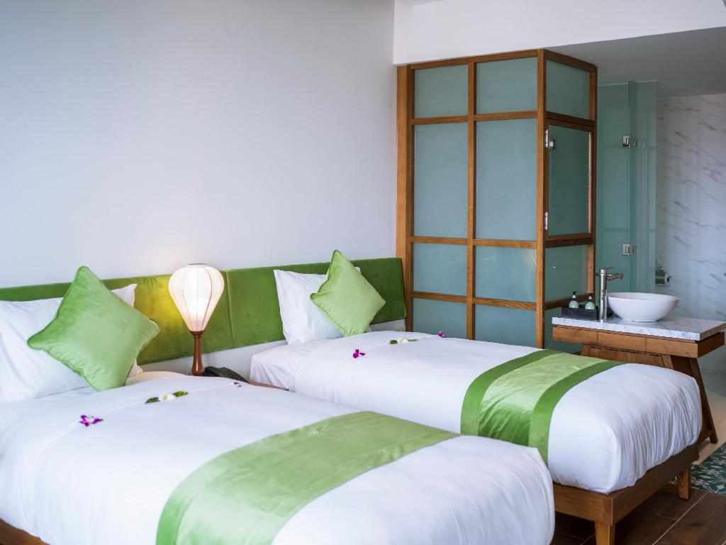 Superior City View Room - Bed Vinh Hung Old Town
