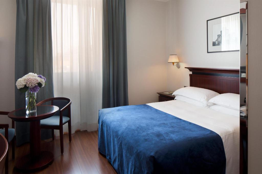 Superior Double Bed Starhotels Excelsior