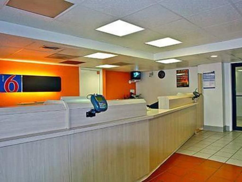 Recepció Motel 6 Houston West - Energy Corridor