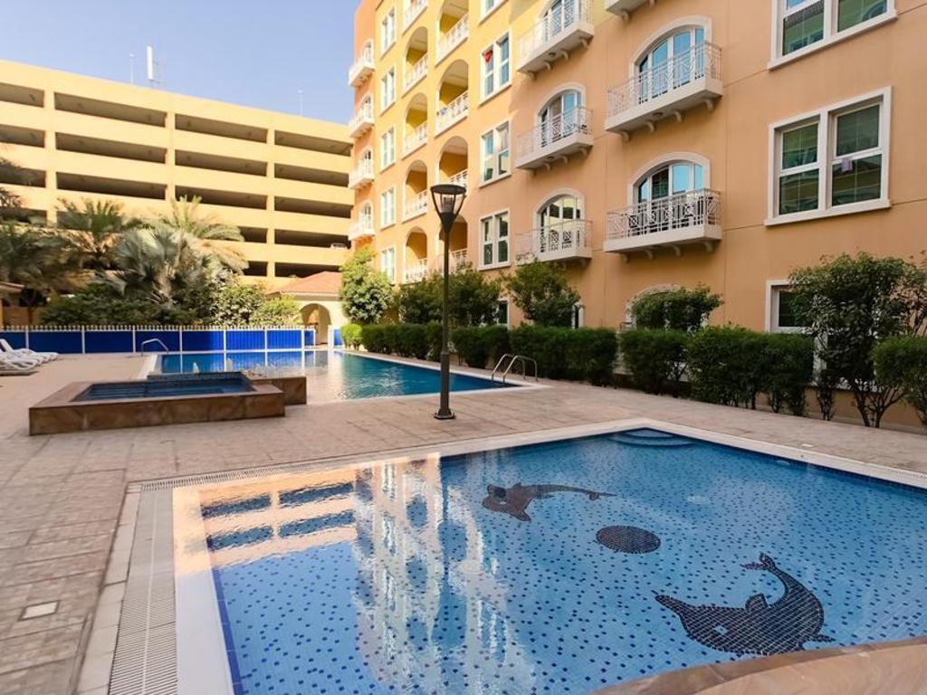 Best price on dubai investement park ritaj tower 121 - Dubai airport swimming pool price ...