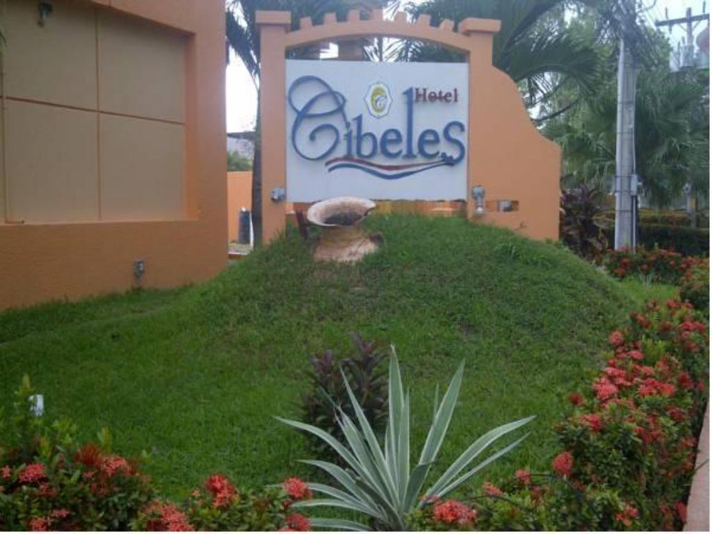 More about Hotel Cibeles