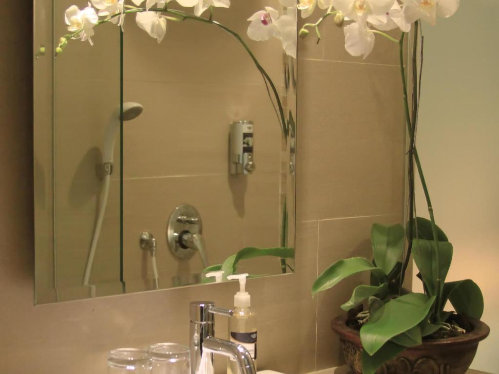 Bathroom Grand Barong Resort Bali Managed by Soscomma