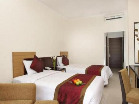 Superior ( 2nd floor ) - Bedroom Adhi Jaya Hotel