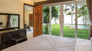Luxury Pool Villa - Private Beach in Pattaya