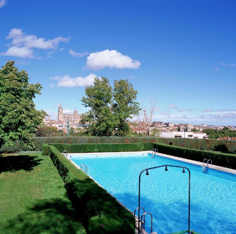 Swimming pool [outdoor] Parador de Salamanca