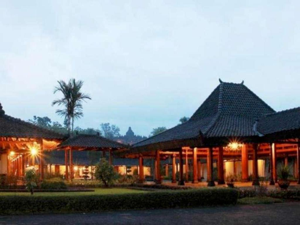 Manohara Resort