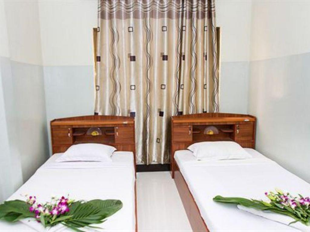 Twin with Fan - Bed Hang Neak Guesthouse