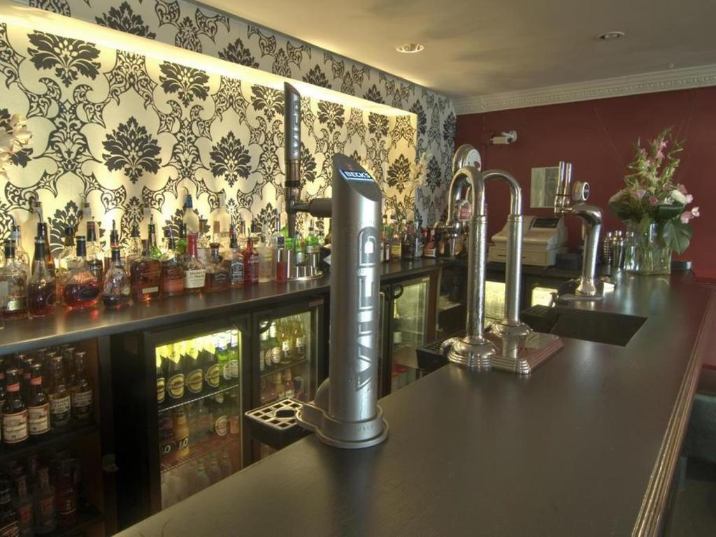 Bar/lounge The Kings Hotel