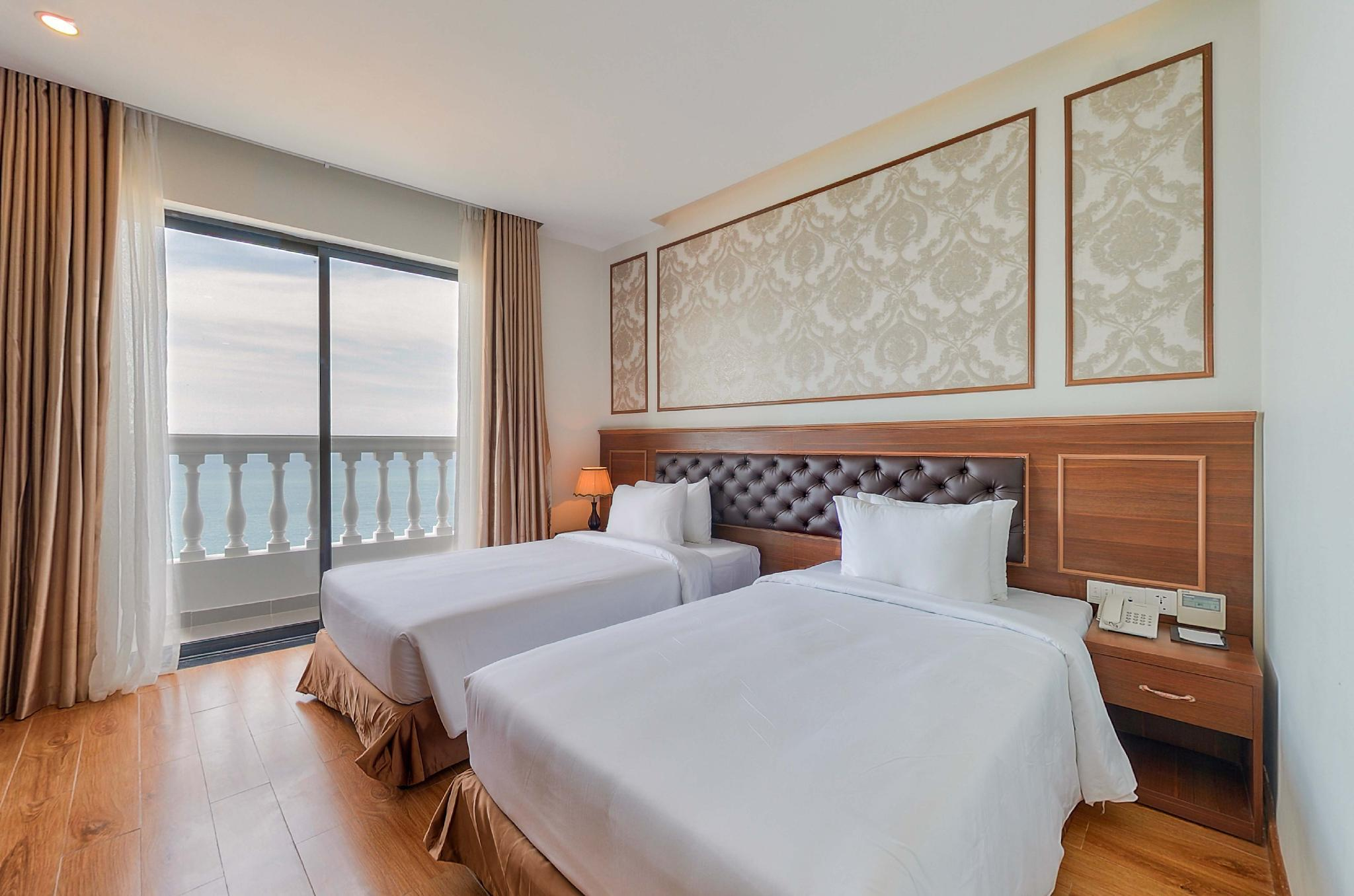 Premier Sea View Twin Room with Balcony
