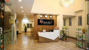 V-HOUSE 5 Serviced Apartment