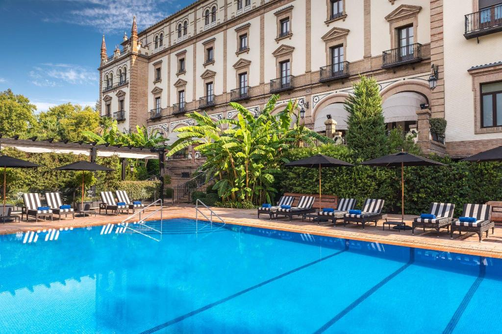 Swimming pool [outdoor] Hotel Alfonso XIII, a Luxury Collection Hotel, Seville