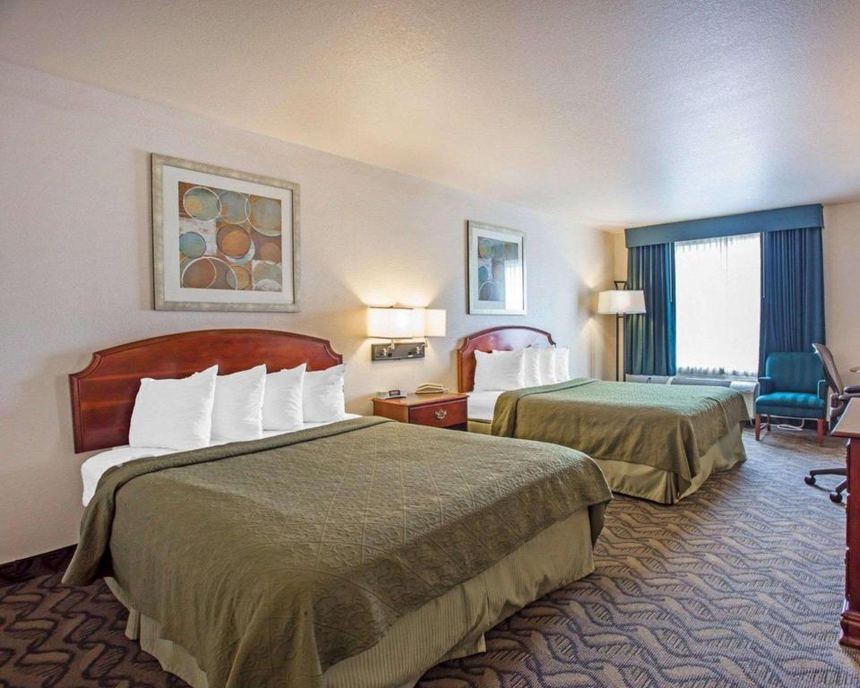 2 Queen Beds - No Smoking - Guestroom Quality Inn & Suites Airport West