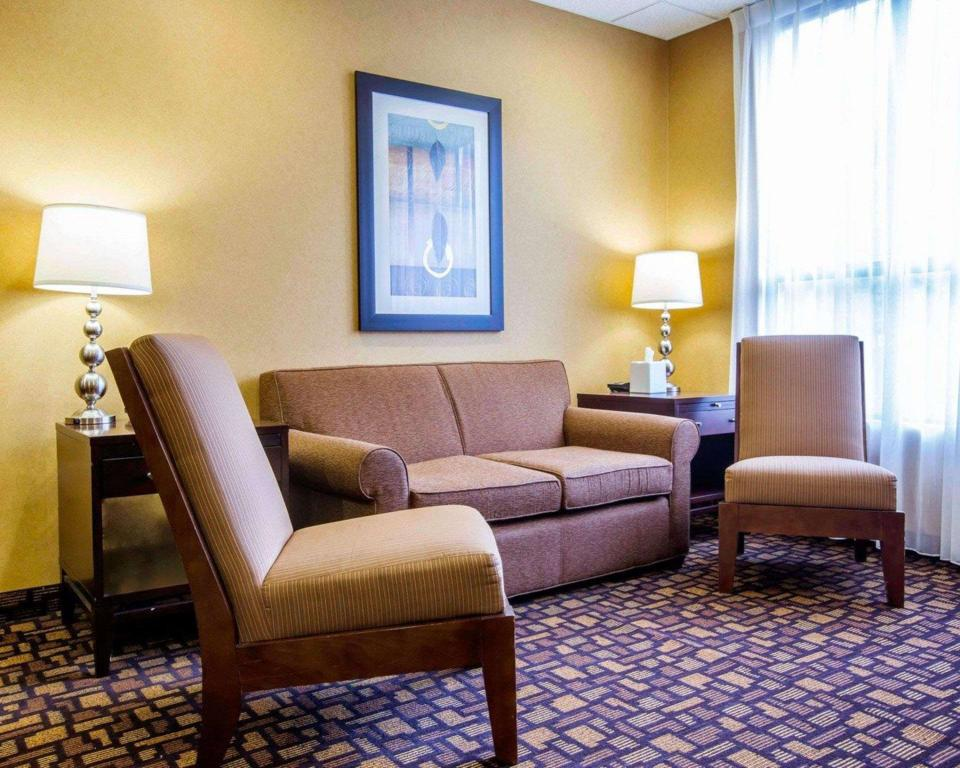 Lobby Comfort Inn and Suites adj to Akwesasne Mohawk Casino