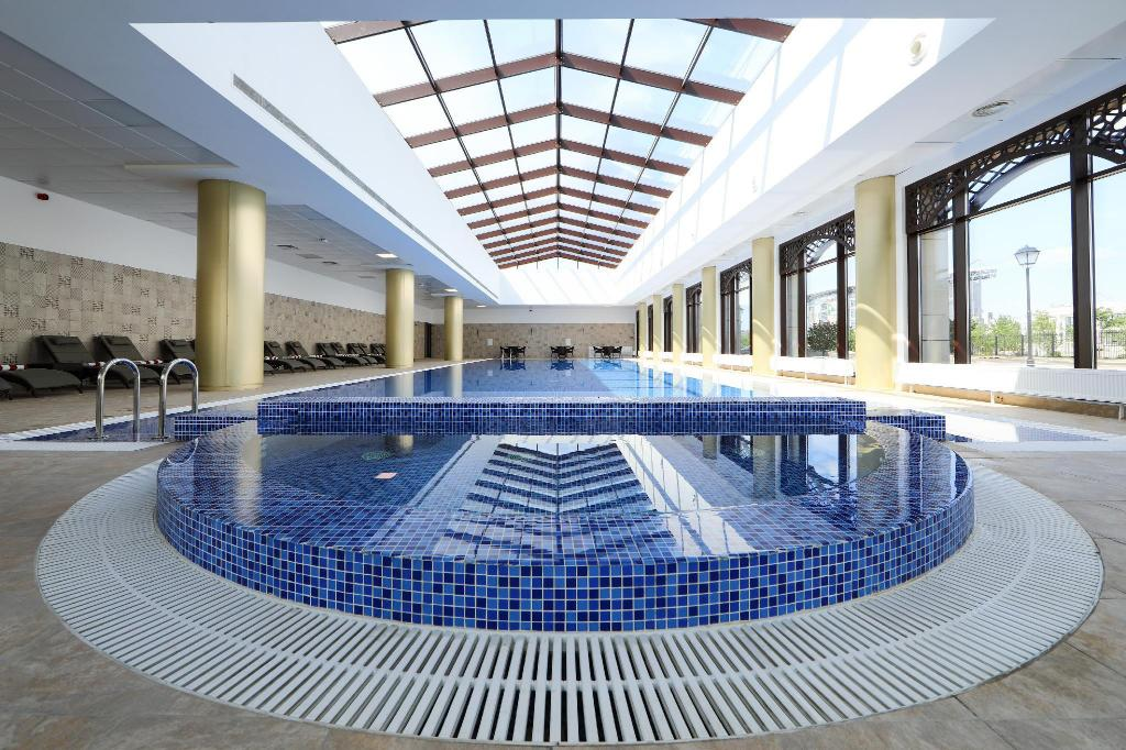 Swimming pool Thelocal Hotels Grozny