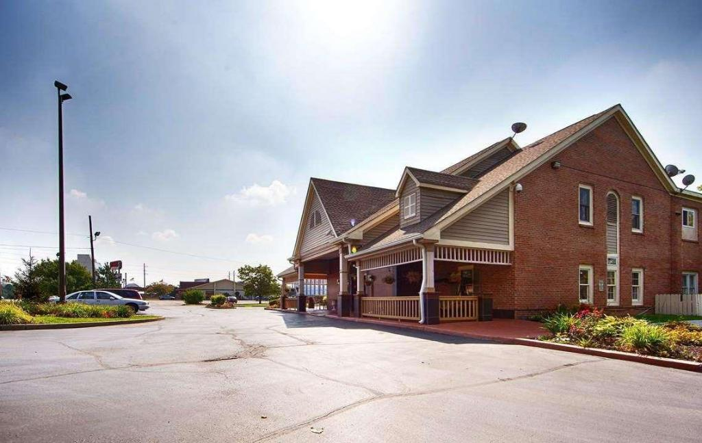 بايمونت باي ويندام إنديانابوليس نورث ويست (Baymont By Wyndham Indianapolis Northwest)
