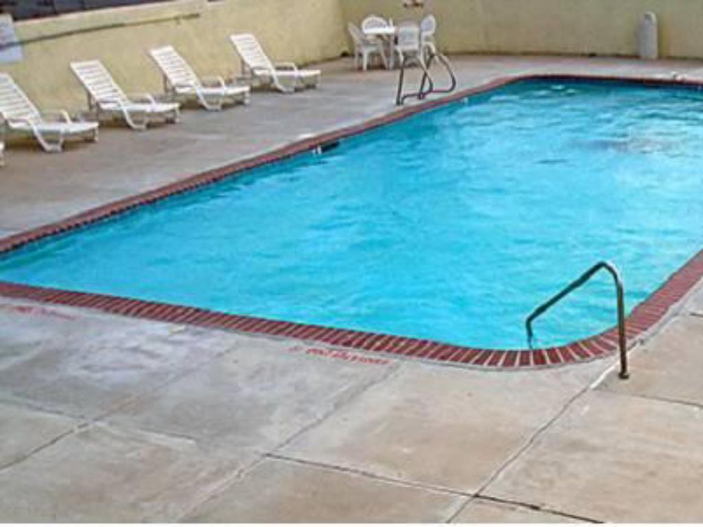 Swimming pool Motel 6 West Amarillo