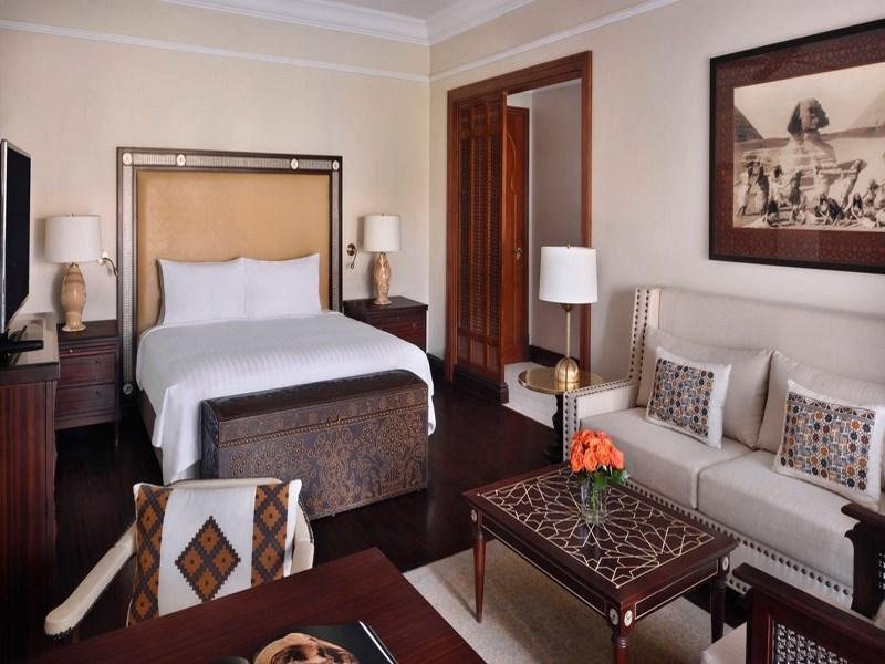 Grand Deluxe Room, Executive lounge access, 1 King, Balcony