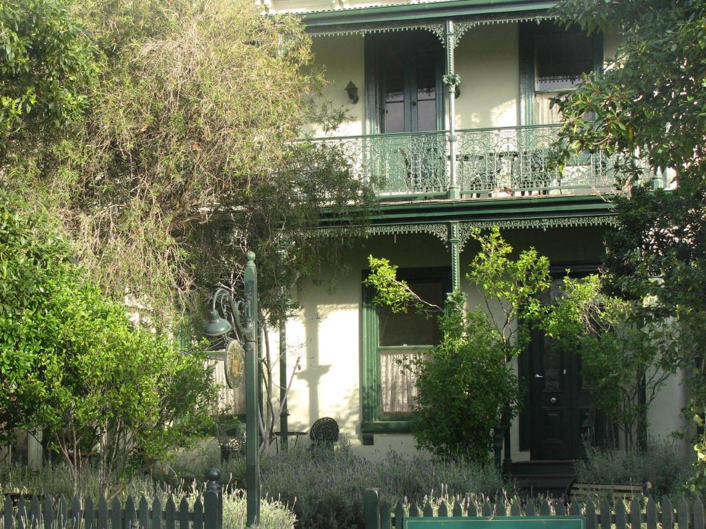 More about Magnolia Court Hotel