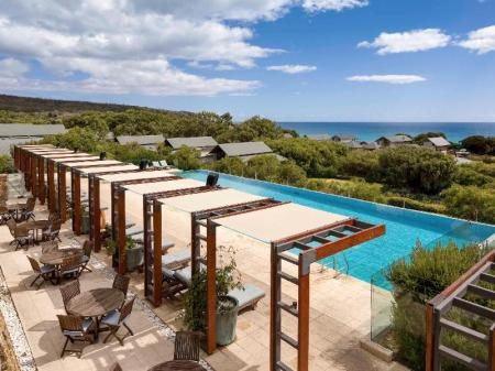 مسبح خارجي منتجع بولمان بانكر مارجريت ريفرر (Pullman Bunker Bay Resort Margaret River)