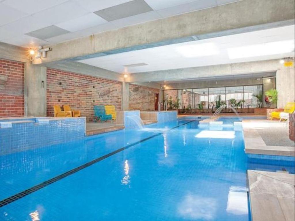 sovereign park motor inn in ballarat room deals photos. Black Bedroom Furniture Sets. Home Design Ideas