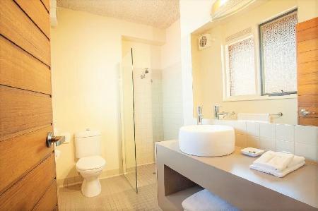 best price on sovereign park motor inn in ballarat reviews. Black Bedroom Furniture Sets. Home Design Ideas