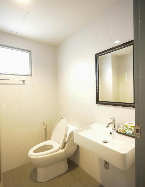Standard Studio - Bathroom