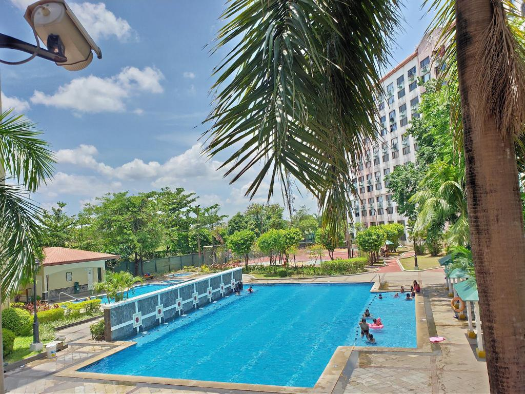 Condo Unit in Pasig/Cainta 2BR fully furnished Apartment