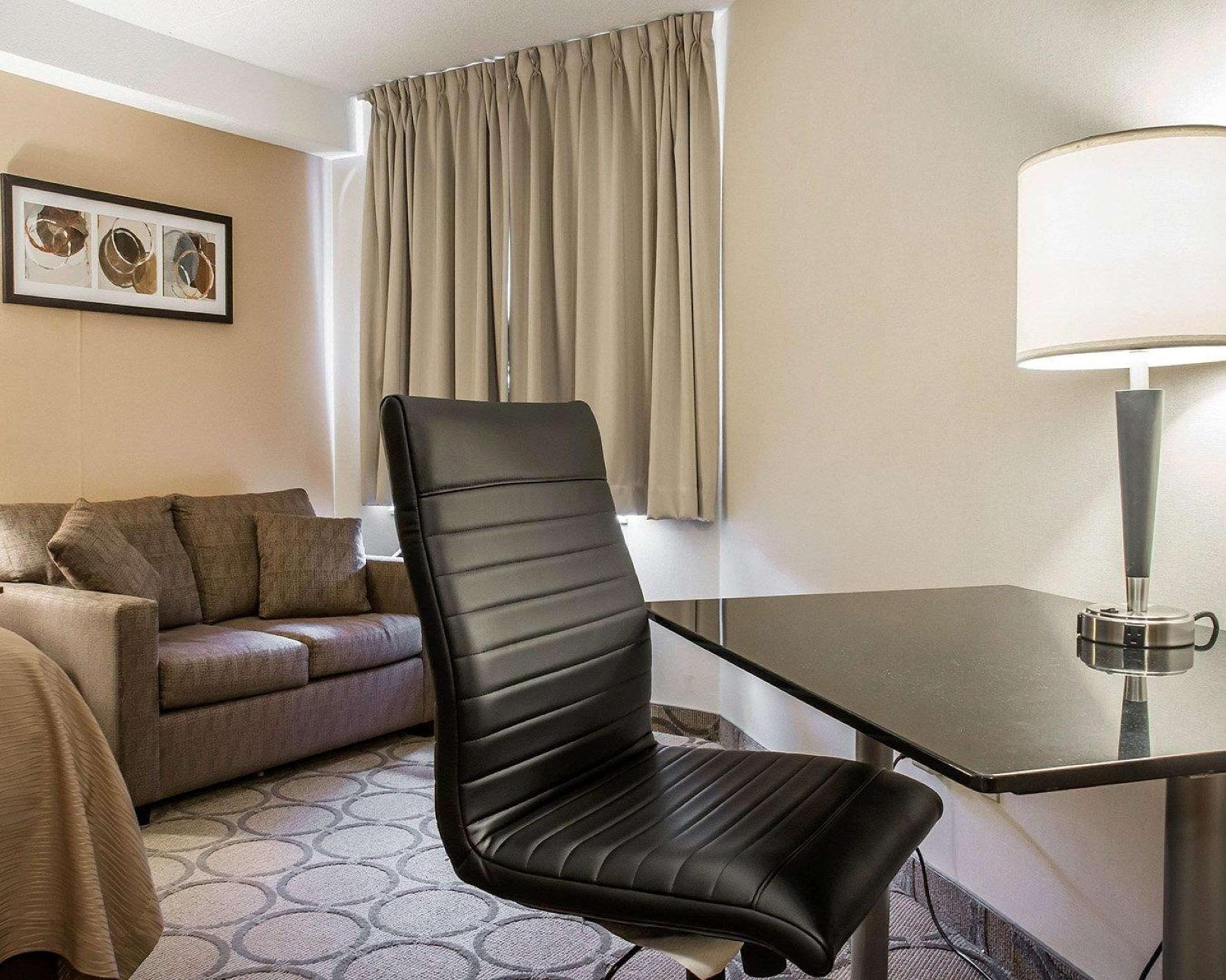Comfort Inn Hotel Waterloo On Deals Photos Amp Reviews
