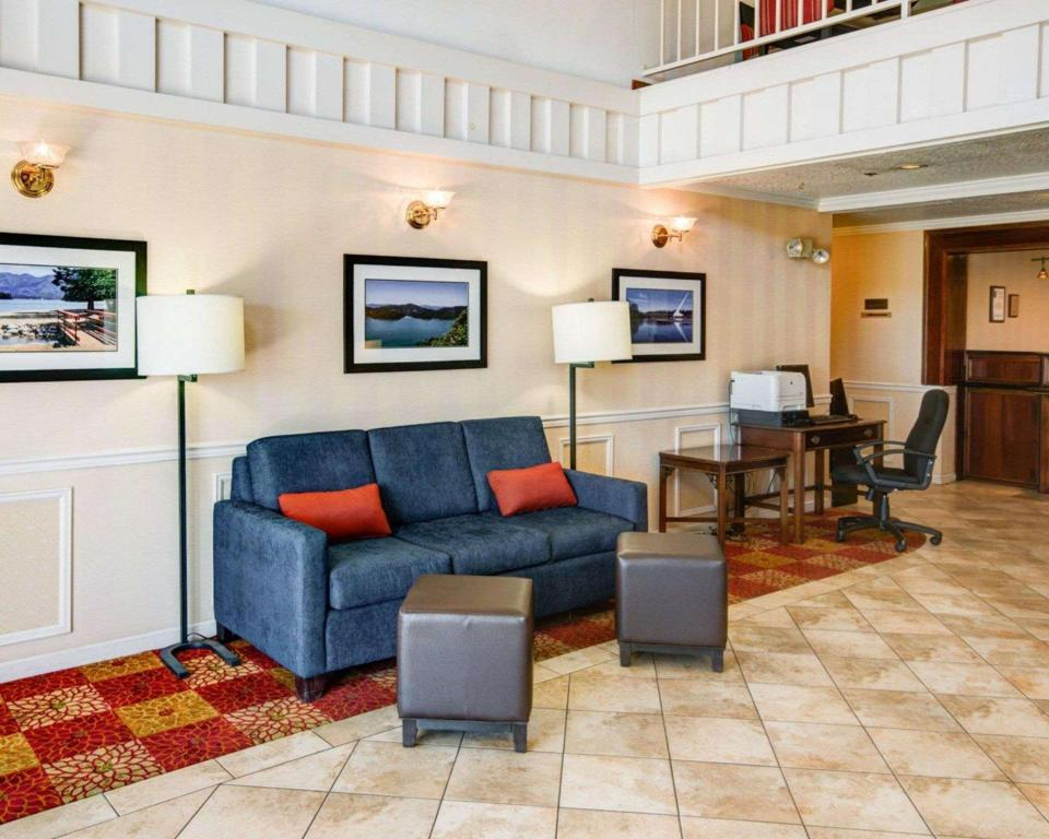 Lobby Comfort Inn Redding