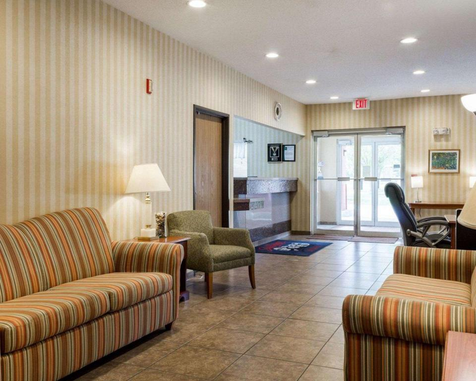Lobby Quality Inn Brookings-University
