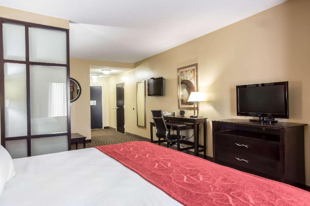 Accessible 1 King Bed, Suite, Non Smoking - Guestroom