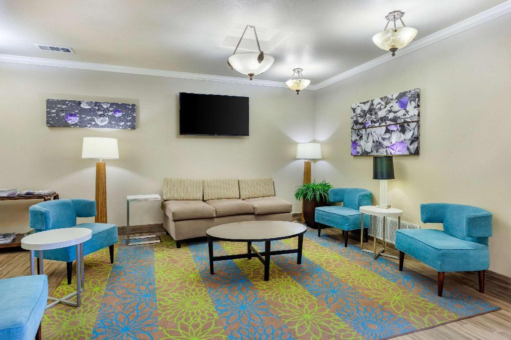 Lobby Sleep Inn & Suites Hewitt - South Waco