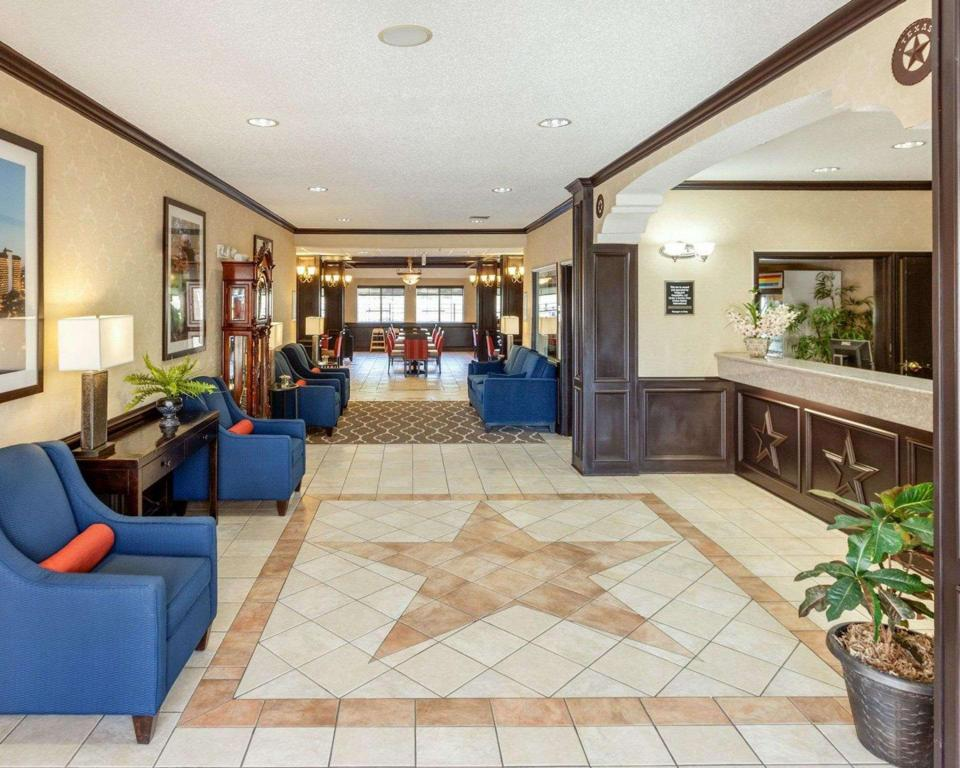 Lobby Comfort Inn and Suites Texas Hill Country Boerne
