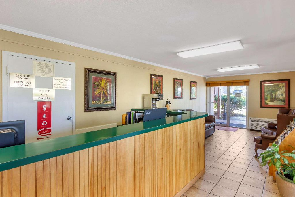 Lobby Econo Lodge Summerville