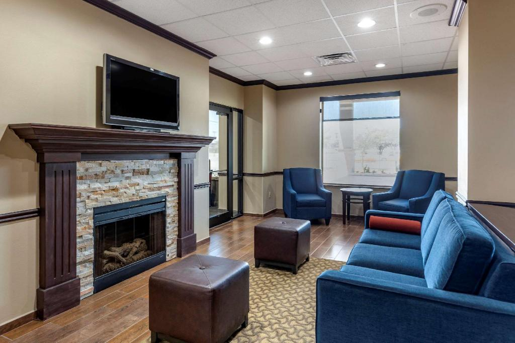 Lobby Comfort Suites Waco Near University Area