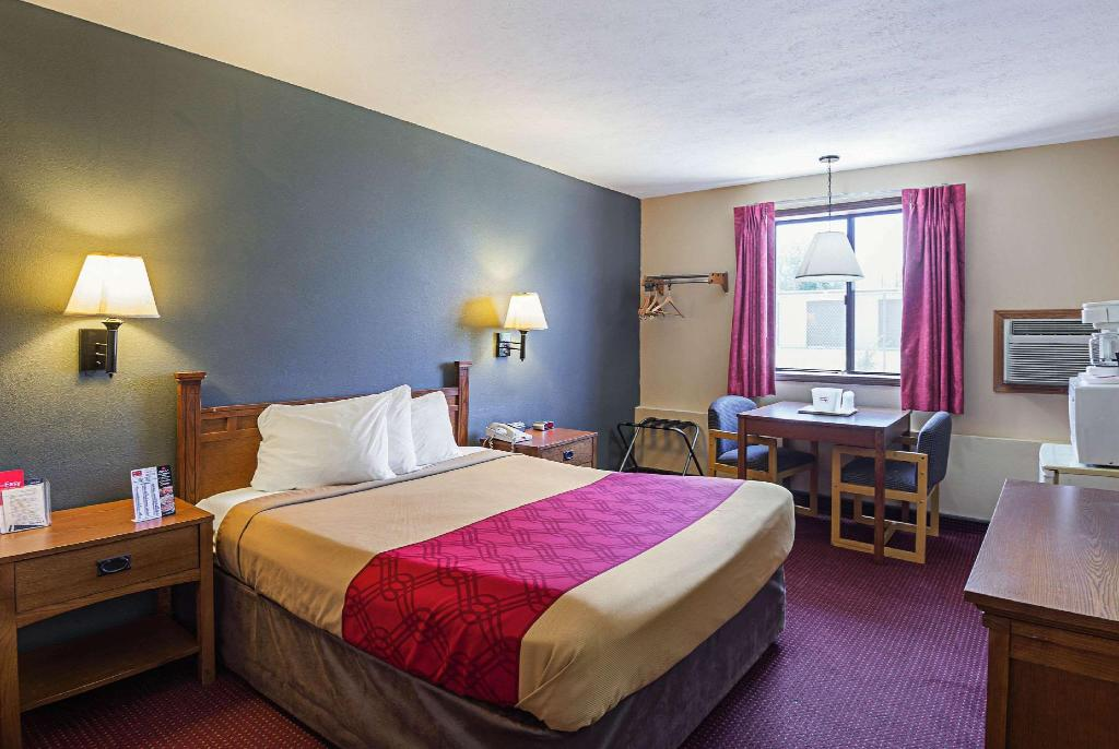 1 Queen Bed, Nonsmoking, Accessible - Guestroom