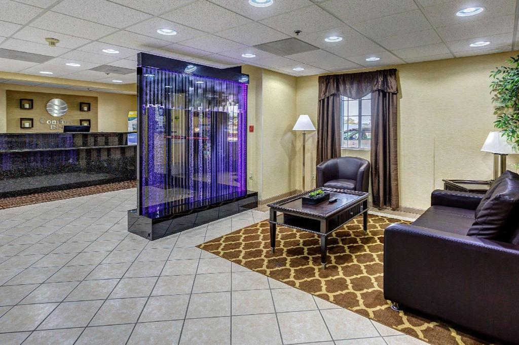 Lobby Comfort Inn Decatur