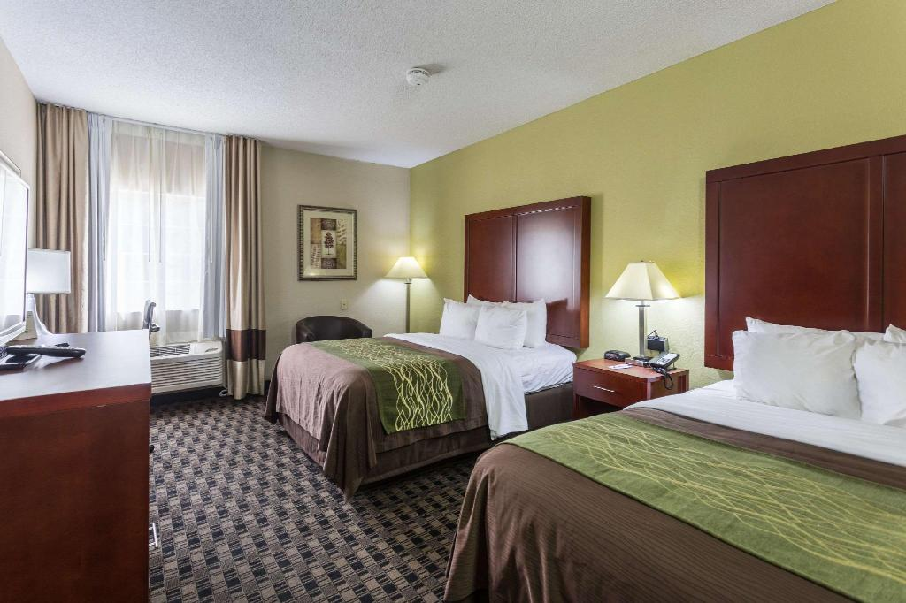 2 QUEEN BEDS NONSMOKING - Guestroom Comfort Inn Decatur