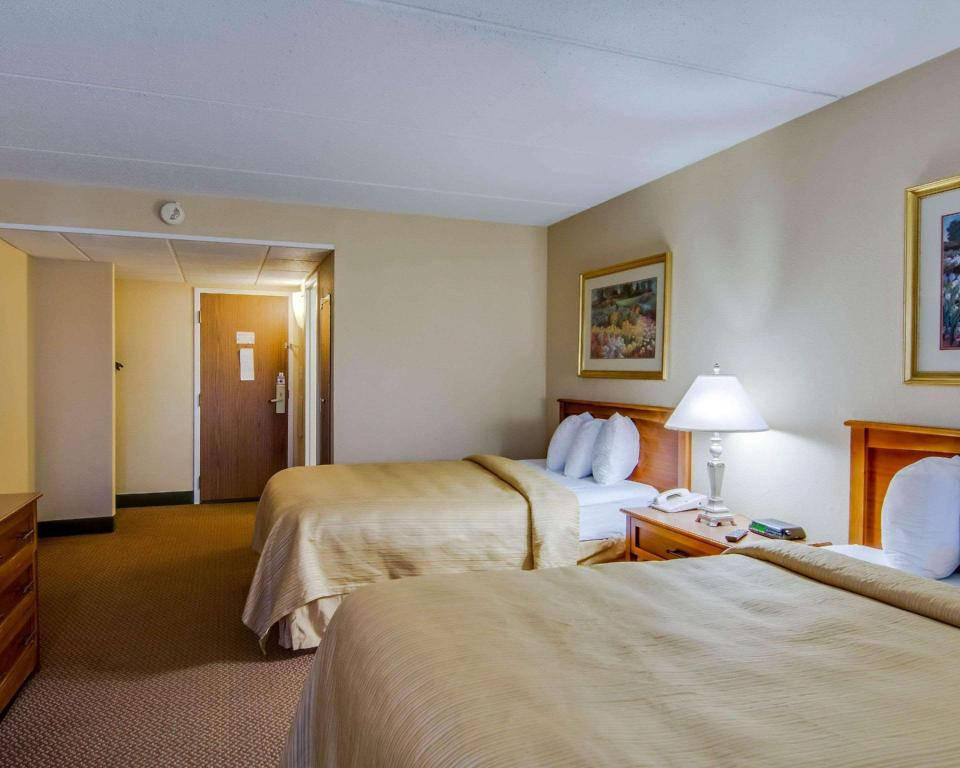 2 Double Beds, No Smoking - Guestroom Quality Hotel and Conference Center