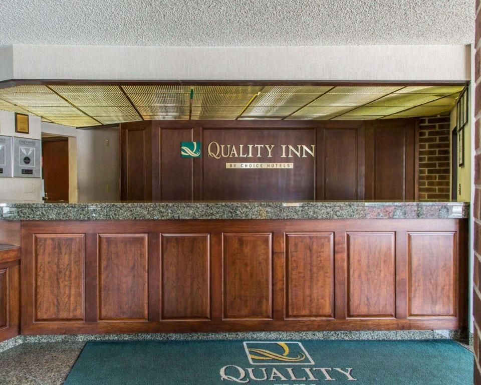 Lobby Quality Inn Schaumburg - Chicago