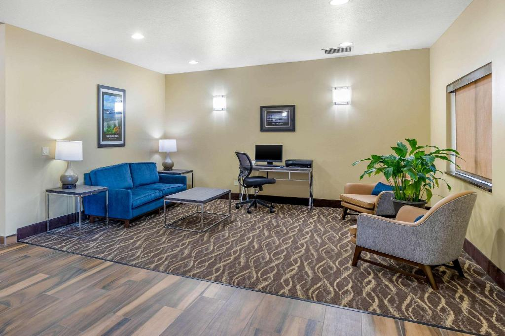 Lobby Comfort Inn and Suites Davenport - Quad Cities