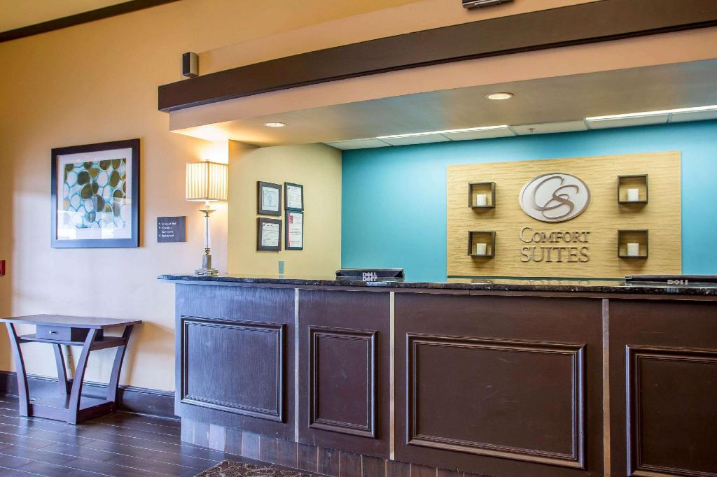 Lobby Comfort Suites Schiller Park - Chicago OHare Airport