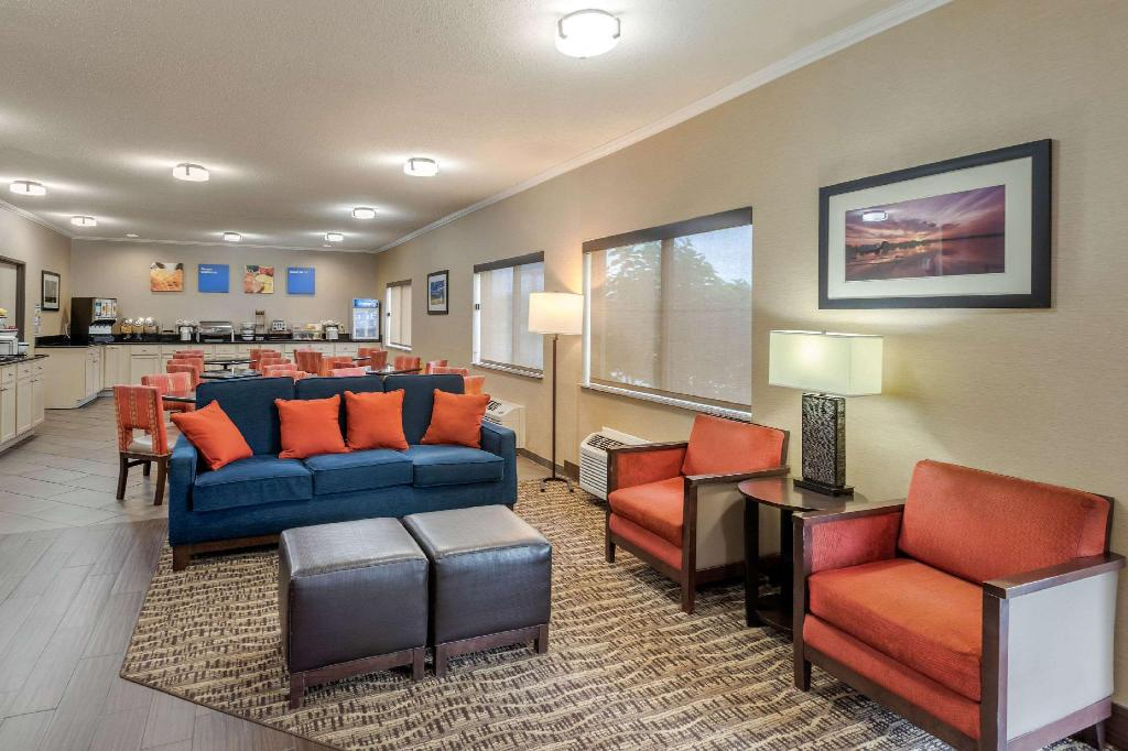 Lobby Comfort Inn Moline - Quad Cities