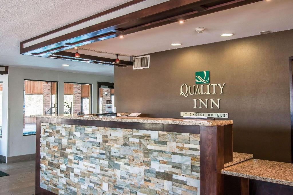 Quality Inn Hotel (Grand Rapids (MI)) - Deals, Photos & Reviews