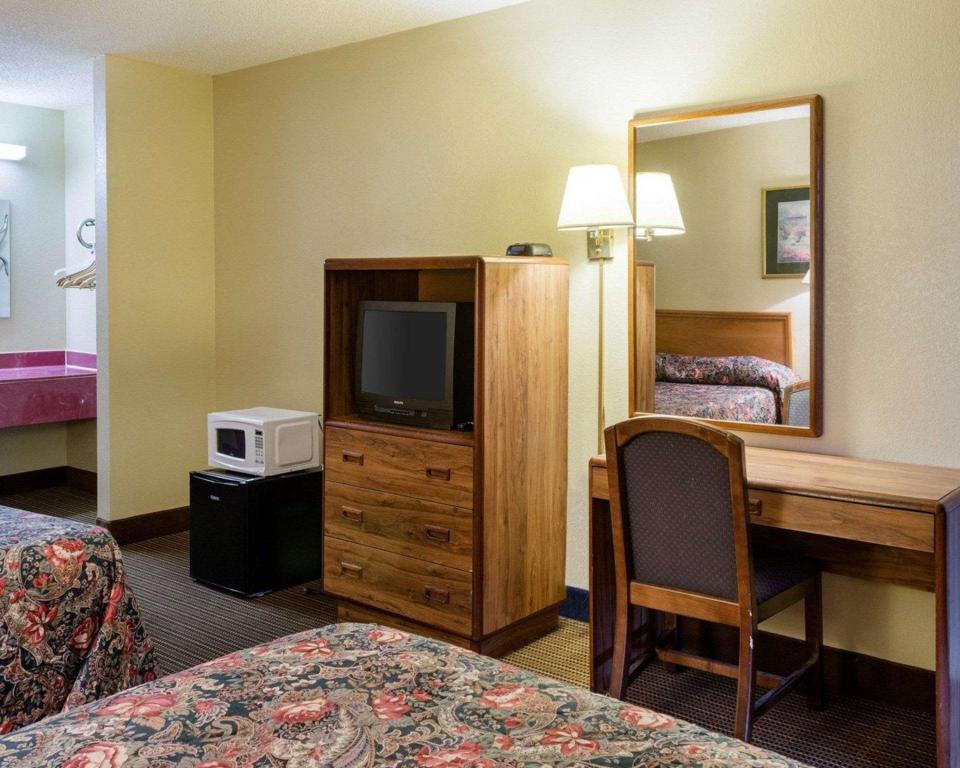 2 Double Beds, Smoking - Guestroom